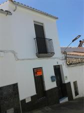 Casa adosada en Venta en Monturio, 35 / Fuentes de León