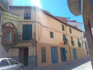Casa adosada en Venta en Calle Caldereros, 21 / Alcañiz