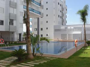 Apartamento en Alquiler en Avenida de las Cortes Valencianas / Daimús