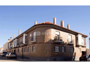 Apartamento en Alquiler en Avenida del Toboso / Camarma de Esteruelas
