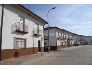 Casa adosada en Alquiler en Agustina Aragon, 23 / Pedro Abad