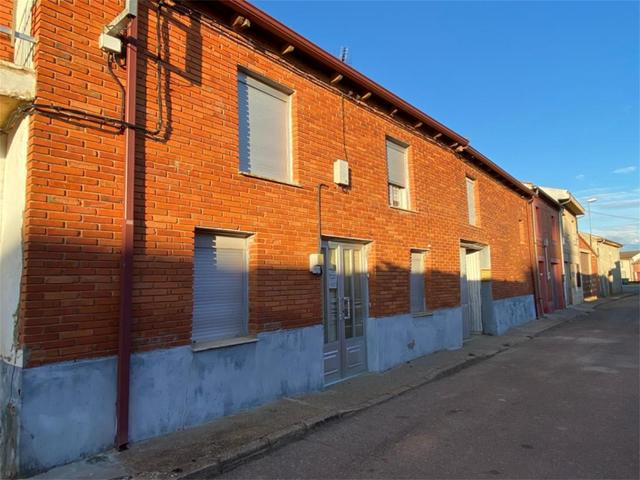 Casa adosada en Venta en Calle Eras,  de Roperuelo