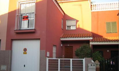 Dúplex de alquiler en Calle José María Ojeda, 17, Centro