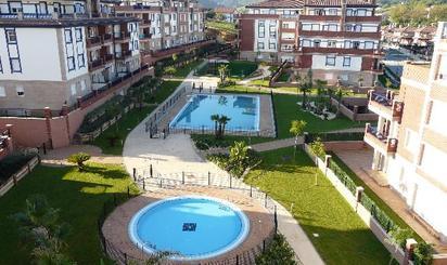 Áticos en venta con piscina en Bakio
