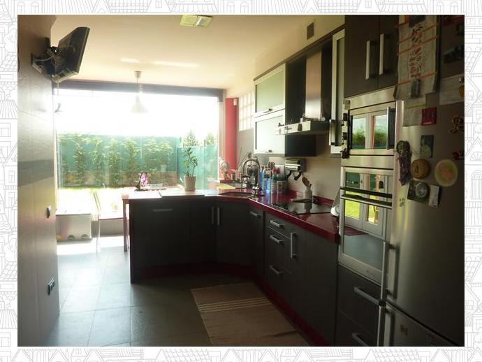 Casa adosada en oviedo en san l zaro en 127804827 fotocasa for Piscinas san lazaro oviedo
