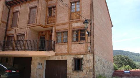 Foto 3 de Casa adosada de alquiler en Urbanización Santa Inés, 13 Vinuesa, Soria