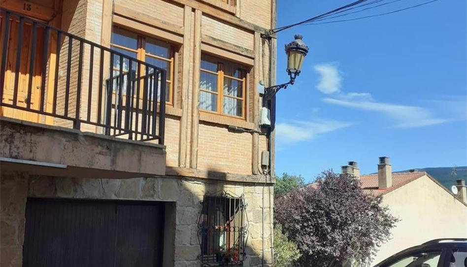 Foto 1 de Casa adosada de alquiler en Urbanización Santa Inés, 13 Vinuesa, Soria