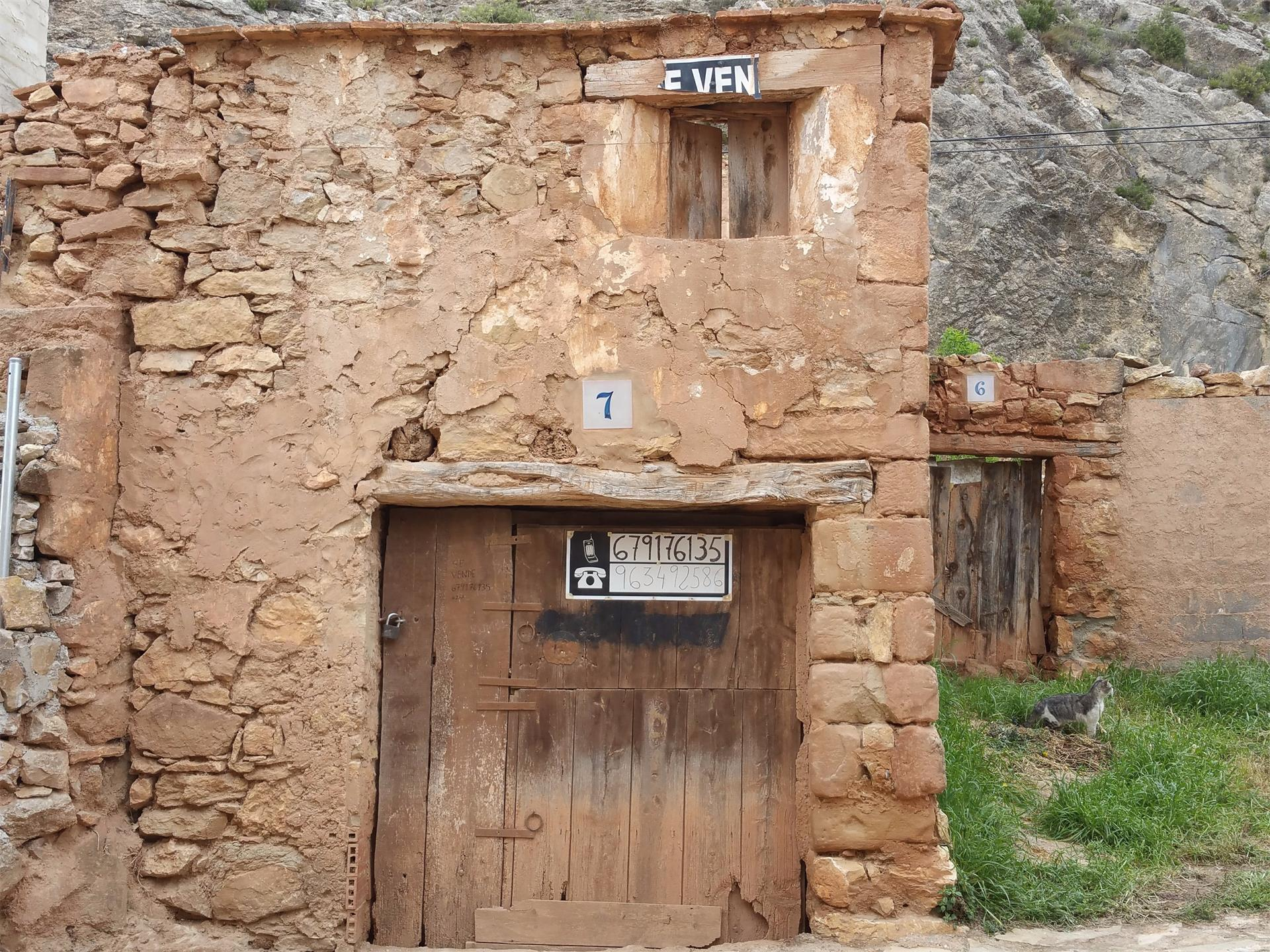 Casa adossada  Herrería. Alpuente / herrería