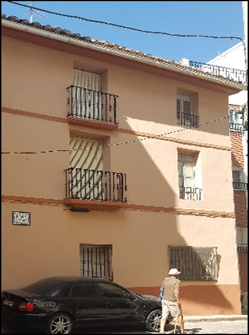 Flat  Calle cantón. Montanejos / calle cantón