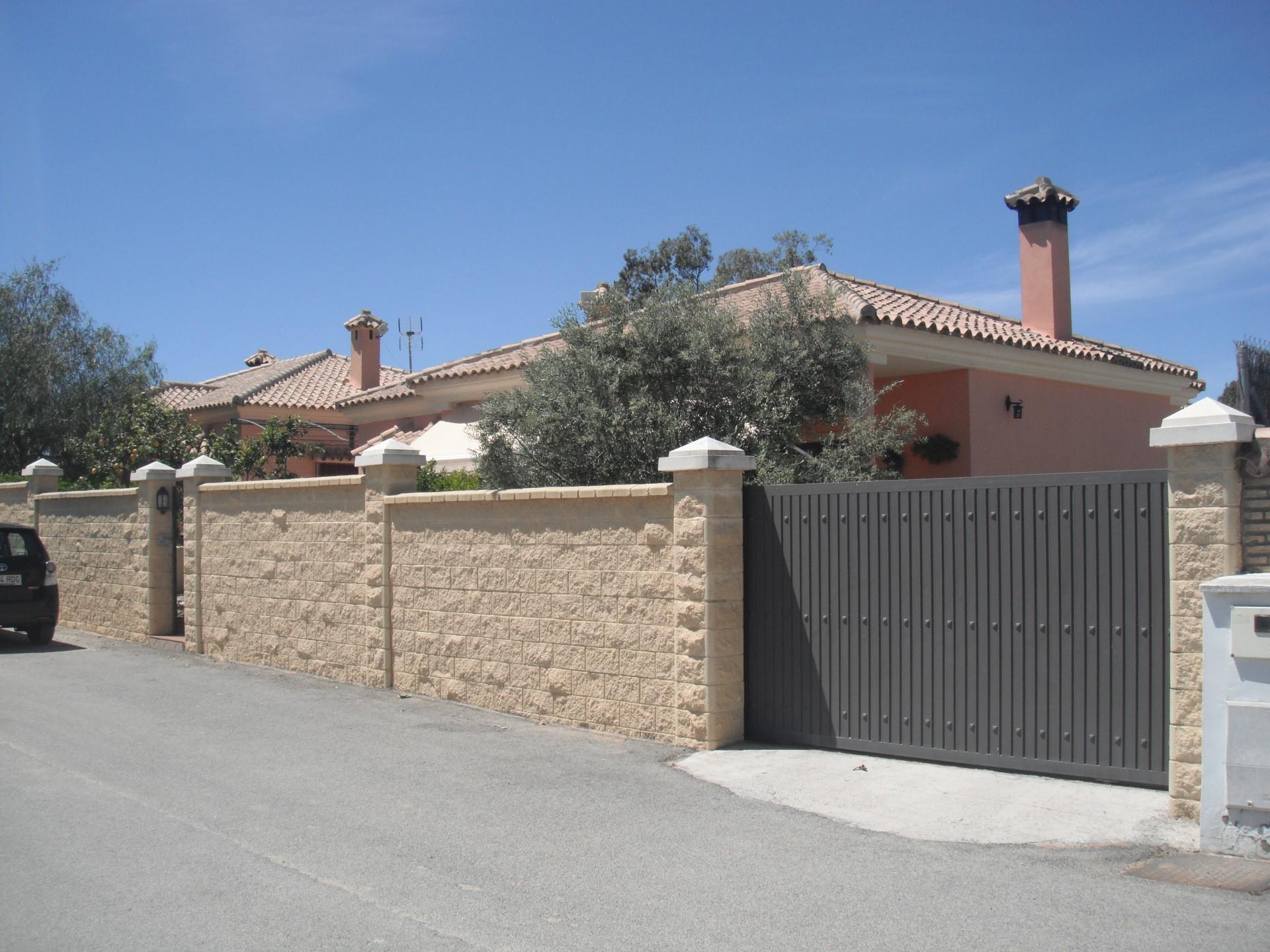 Casa en Cuatro Pinos - El Carmen. Norte
