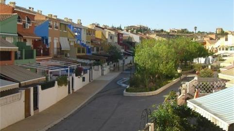 Foto 2 de Casa o chalet para compartir en Calle del Pino, 35 La Huerta, Alicante