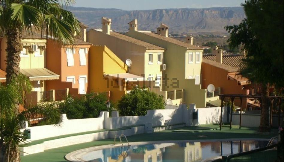 Foto 1 de Casa o chalet para compartir en Calle del Pino, 35 La Huerta, Alicante