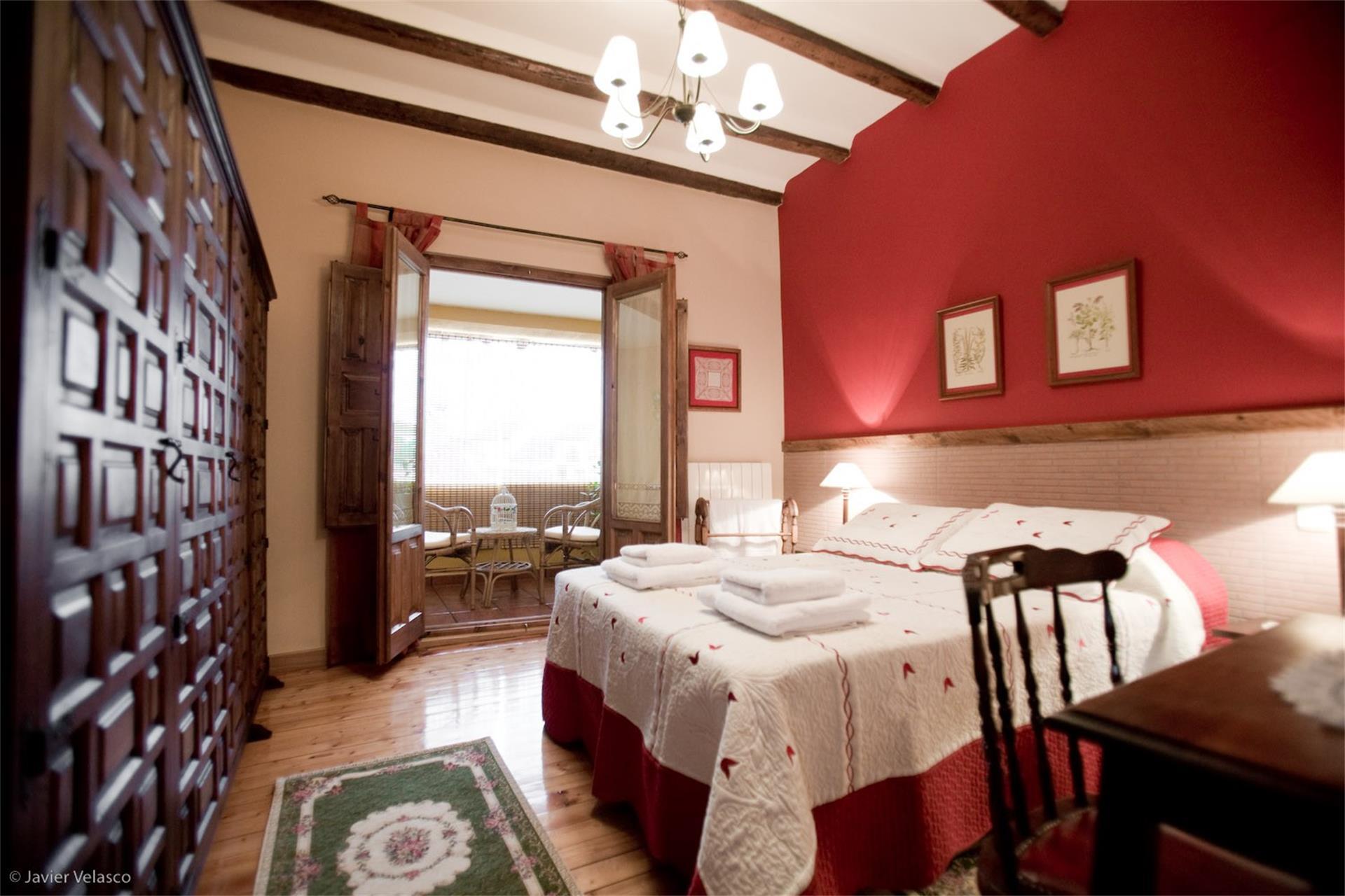 Casa adosada de alquiler en Calle Santísimo Cristo, 13 Rueda (Rueda, Valladolid)