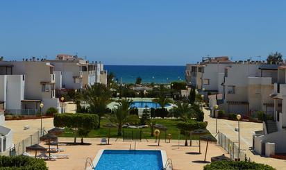 Plantas bajas en venta con piscina en Playa El Playazo -Vera Playa , Almería