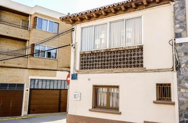 Casa adosada en venta en Calle Joaquín Costa, 12, Sariñena