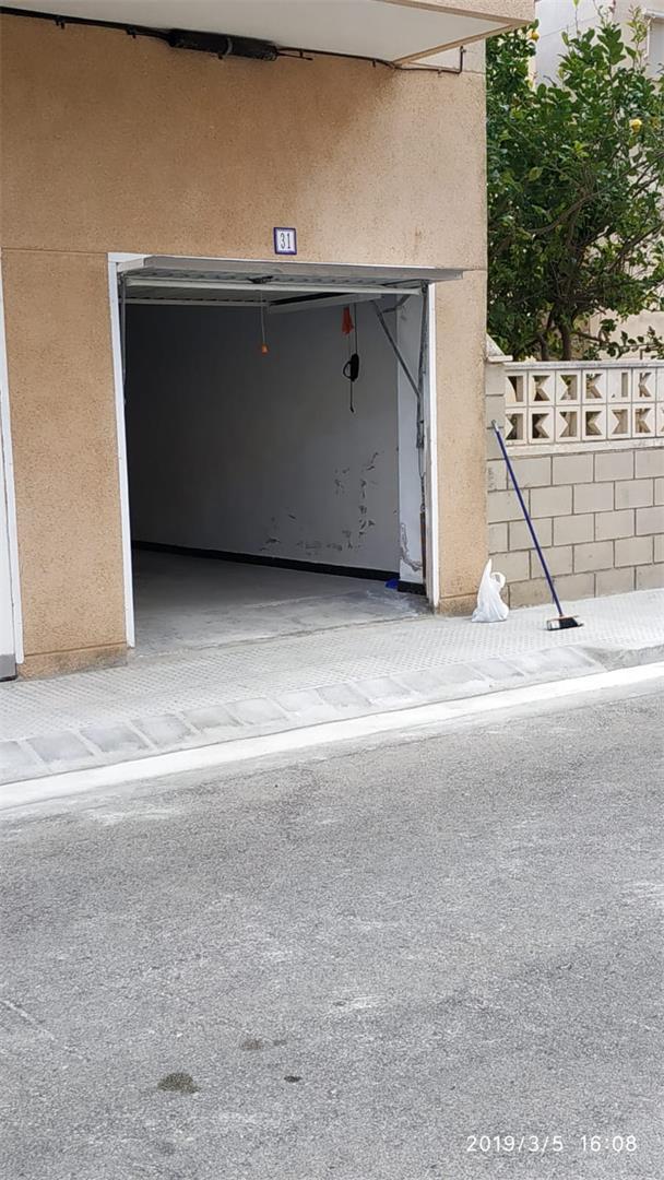 Parking voiture  Calle dels tarongers. Miramar / calle dels tarongers