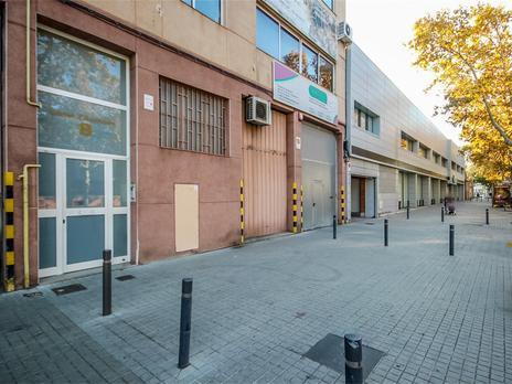Locales en venta con ascensor en Barcelona Capital