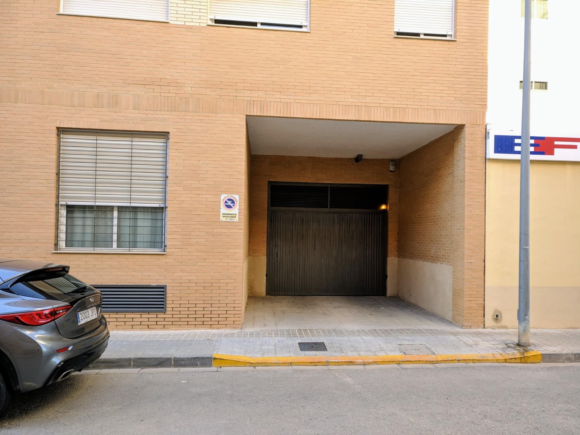 Parking voiture  Calle de mariano benlliure. Massalfassar / calle de mariano benlliure