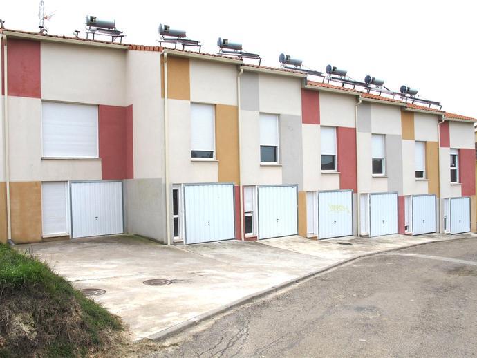 Foto 2 de Casa adosada en venta en C/ San Pedro Villariezo, Burgos