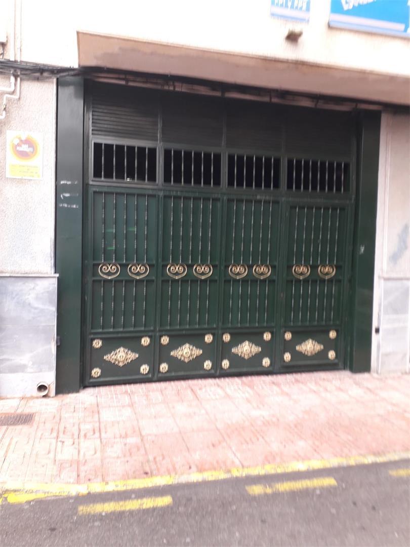 Aparcament cotxe  Calle paz. Centro / calle paz
