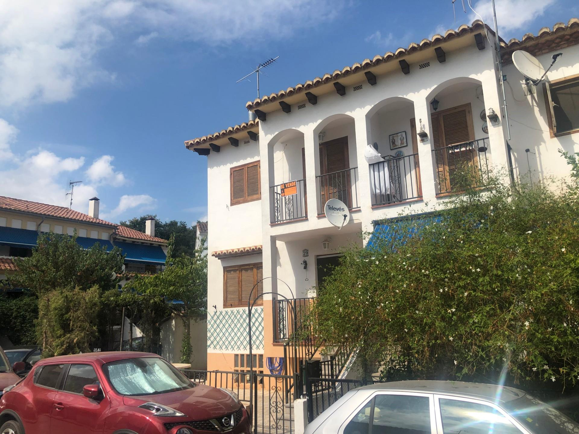 Casa adossada  Calle moreral. Caudiel