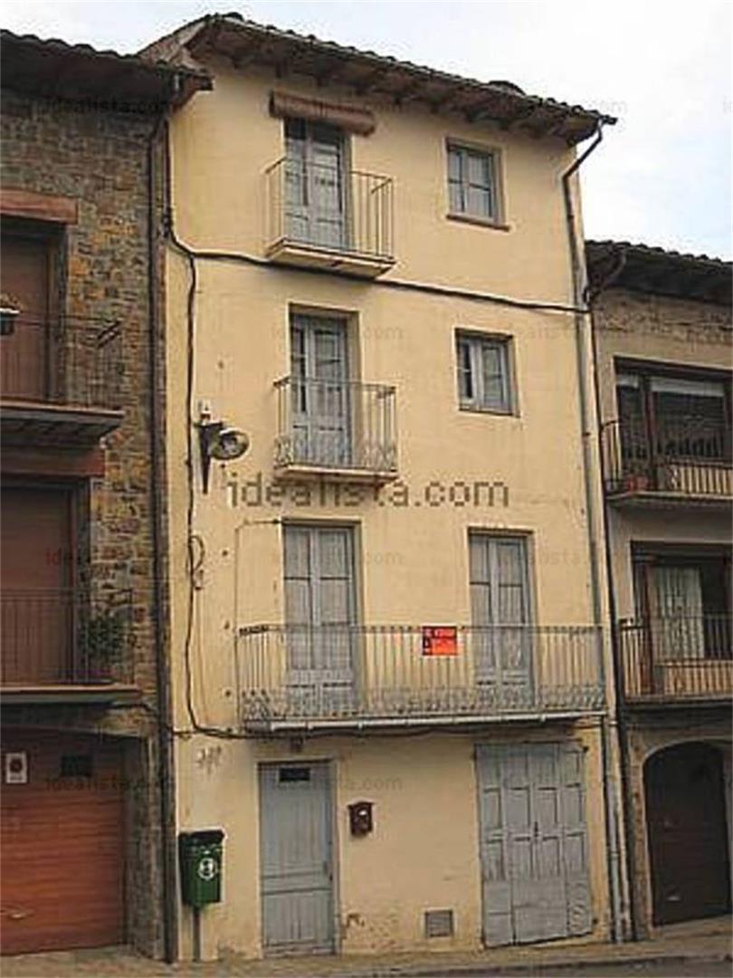 Casa  Plaça dels països catalans. Vilallonga de ter / plaça dels països catalans