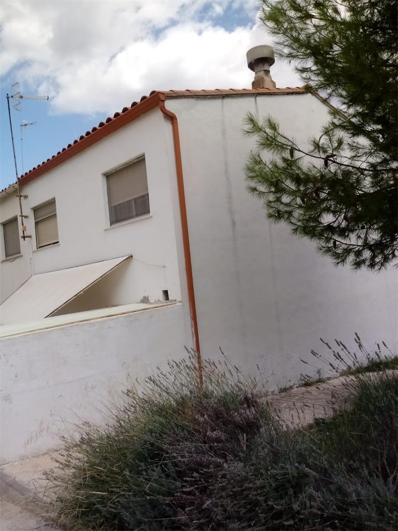 Casa adosada  Calle benicadell. Albaida / calle benicadell