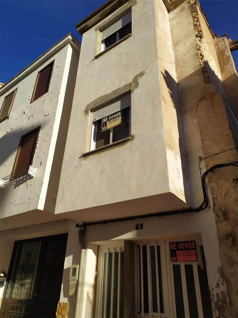 Casa adosada  Calle cuatro cantones. Viver / calle cuatro cantones
