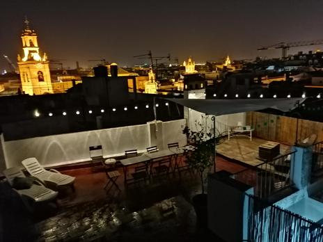 Single family semi detached to share with terrace at España