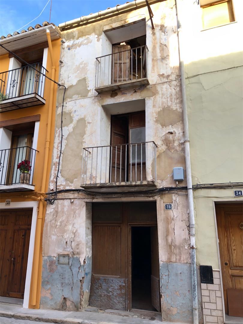 Casa adosada  Calle valencia. Segorbe