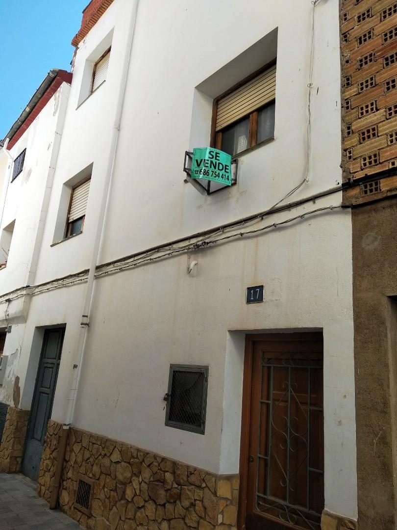 Casa adosada  Carrer pina. Ayora / carrer pina