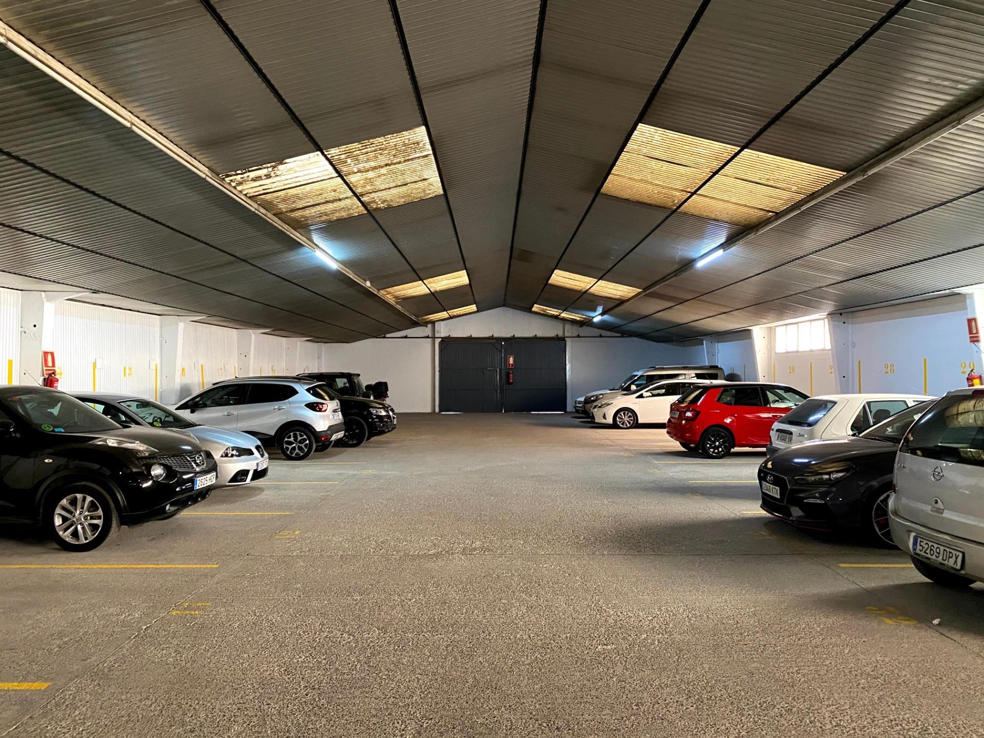 Miete Autoparkplatz  Carrer de pierola. El poble sec / carrer de pierola