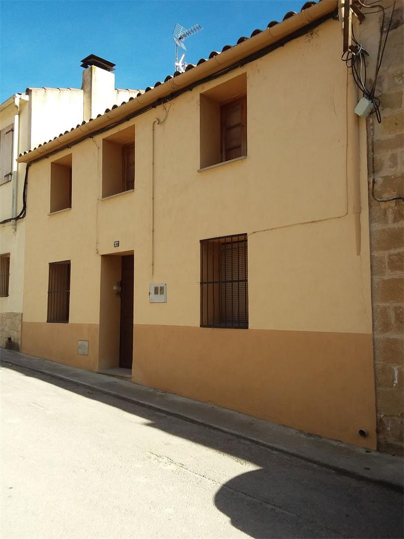 Casa  Carrer navarra. Horta de sant joan / carrer navarra