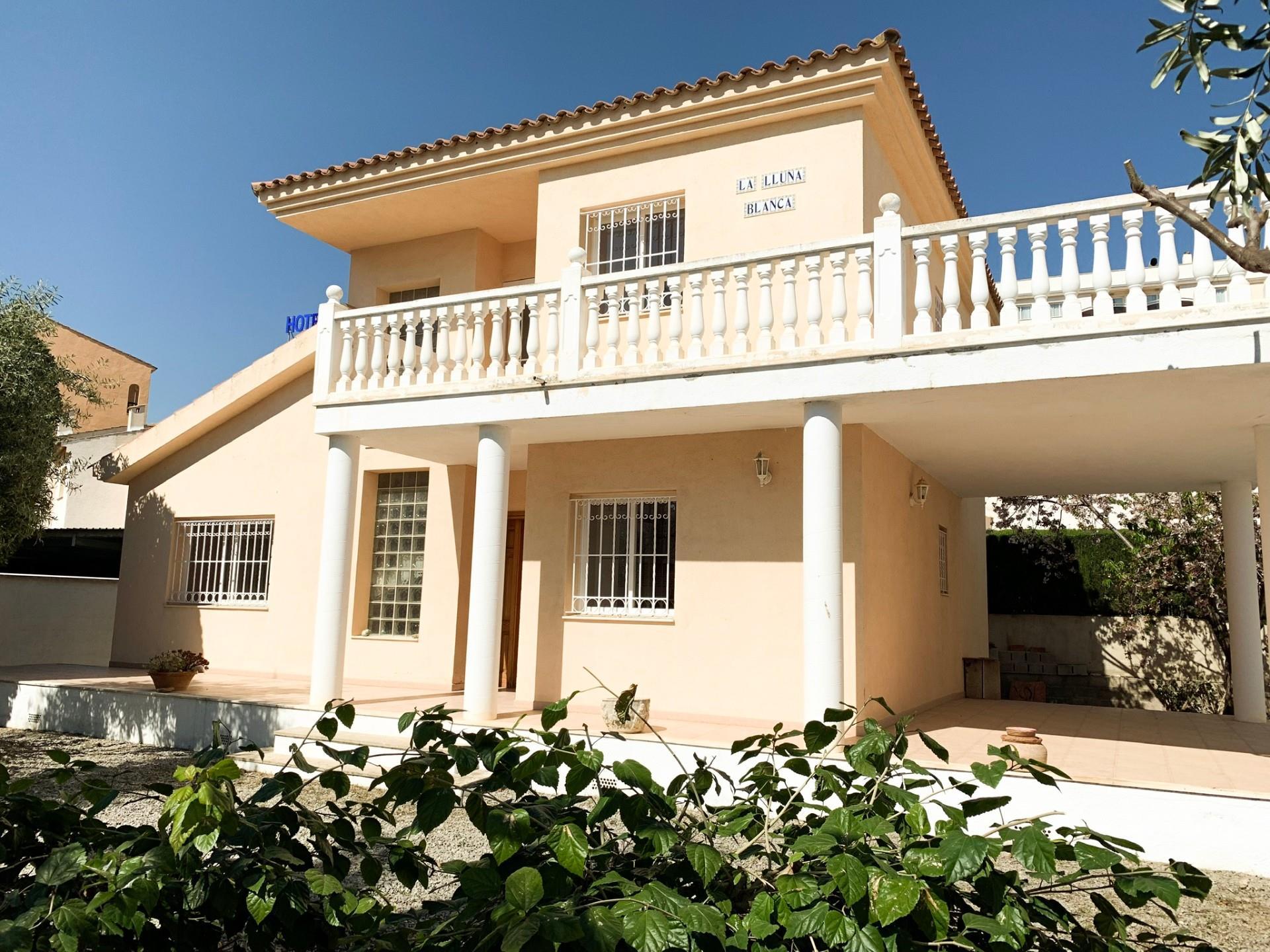 Casa  Avenida del papa luna. Playa norte / avenida del papa luna