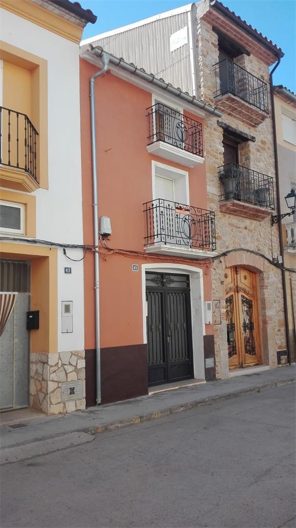 Semi detached house  Calle joc la tella. Vilanova d'alcolea