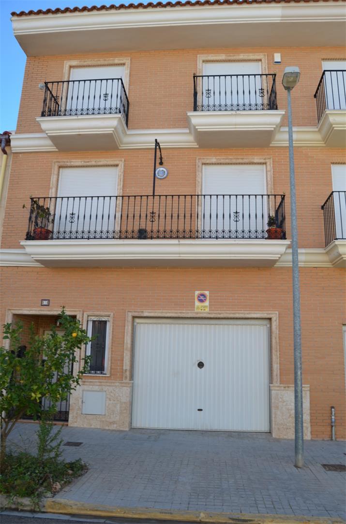 Casa adosada  Calle de la serranía. Loriguilla / calle de la serranía