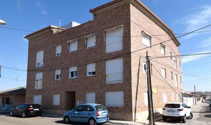 Viviendas y casas en venta en Camarena