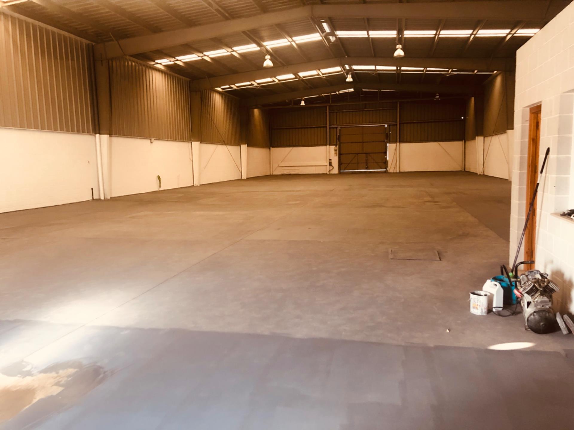 Nave industrial de alquiler en Humilladero (Antequera, Málaga)
