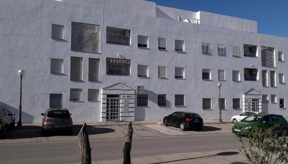 Foto 1 de Piso en venta en Villamartín, Cádiz