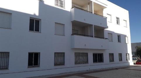 Foto 2 de Piso en venta en Villamartín, Cádiz