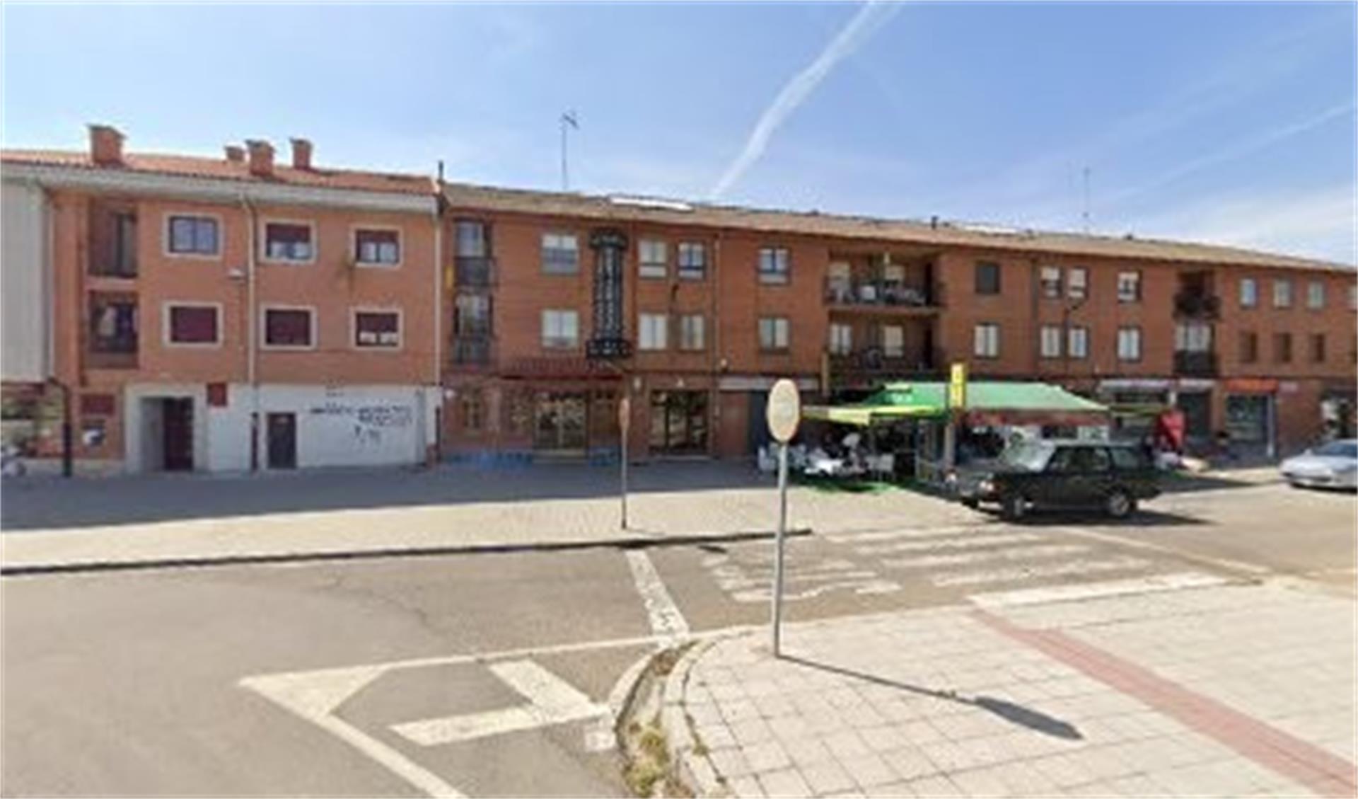 Local de alquiler en Avenida de Portugal Tordesillas (Tordesillas, Valladolid)