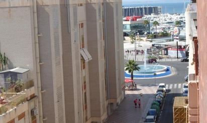 Estudios de alquiler vacacional con terraza en España