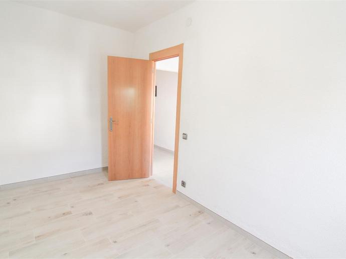 Foto 3 von Wohnung in Carrer Serra del Montsec Joc de la Bola - Camps d'Esports - Ciutat Jardí - Montcada