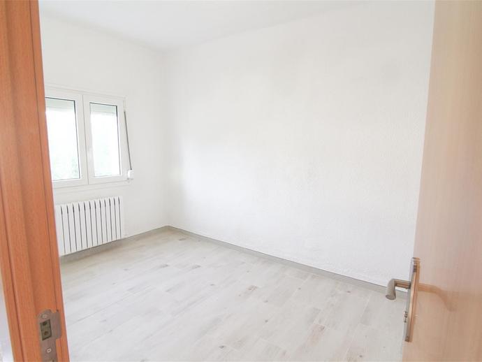 Foto 2 von Wohnung in Carrer Serra del Montsec Joc de la Bola - Camps d'Esports - Ciutat Jardí - Montcada