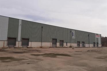 Fabrikhallen zum verkauf in Bisimbre
