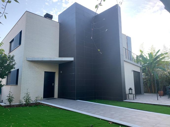 Foto 1 de Casa adosada en Gran Vía Tárrega Monteblanco, 69 Sur