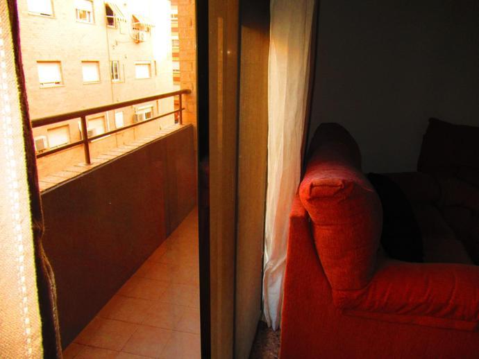 Foto 3 de Piso de alquiler en Avenida de las Cortes Valencianas Tavernes Blanques, Valencia