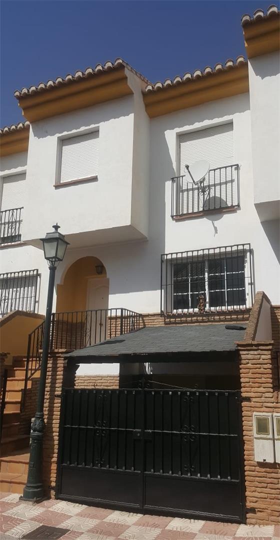 Casa adosada  Plaza de la concordia. Cájar / plaza de la concordia