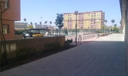 Pisos de alquiler con ascensor en Metro Cocheras, Sevilla