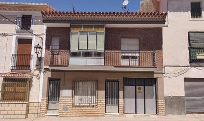 Viviendas y casas en venta con terraza en María